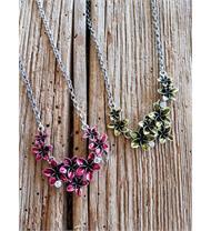Trachtencollier mit Blumen