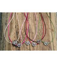 Trachtencollier mit Seidenband und Herzanhänger
